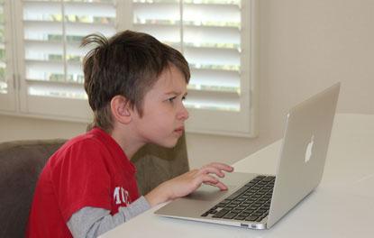 Học tập - lý do muôn thuở để game thủ xin mua máy tính