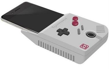 Thiết bị chuyển đổi smartphone thành Game Boy Color